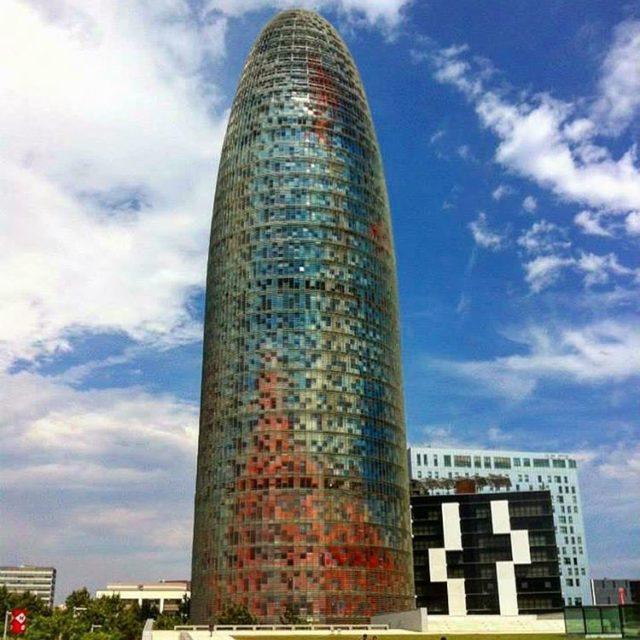 tbt 2013  Torre Agbar Barcelona Inaugurada em 2005 projetohellip